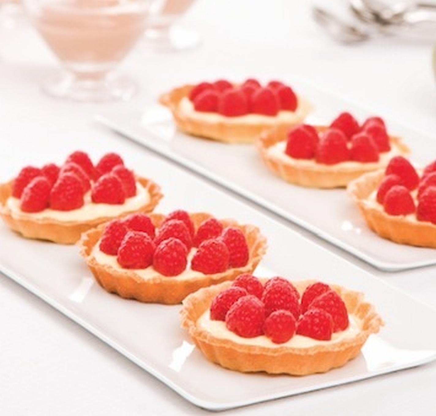 Wyrafinowany deser – Minitarta z malinami