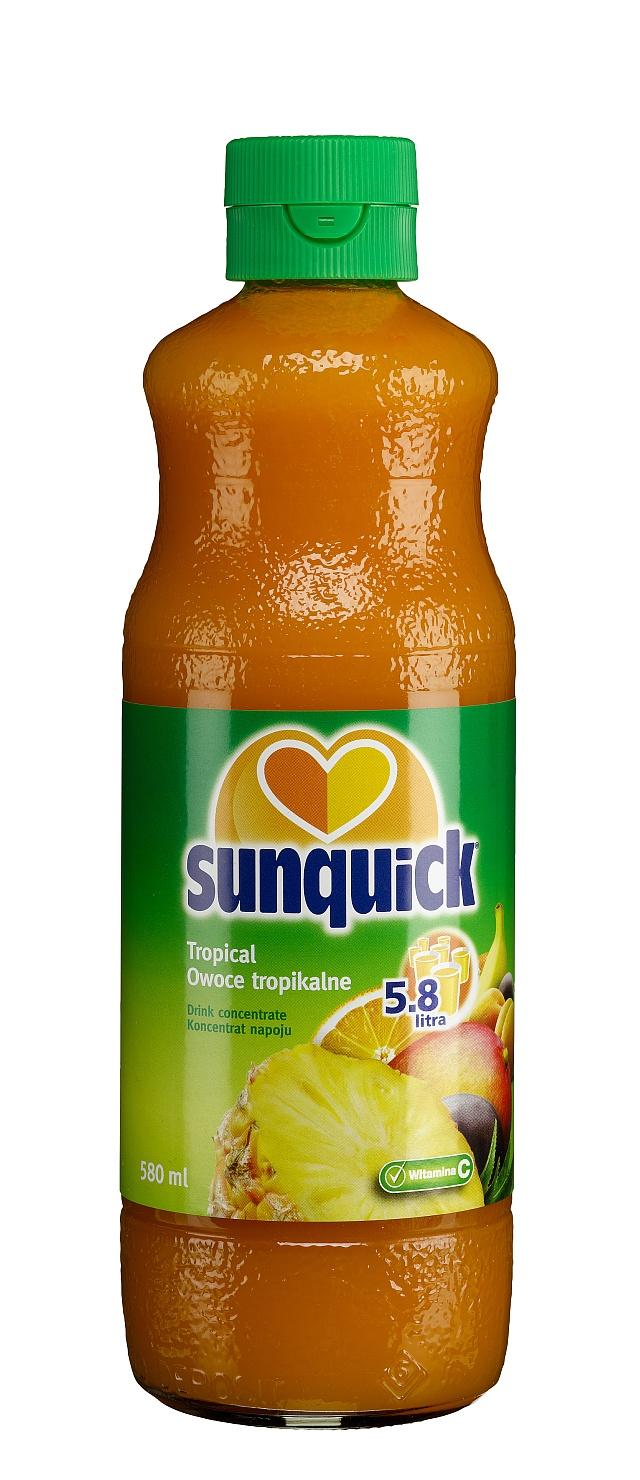 Mieszanka naturalnych soków owocowych z ananasów, pomarańczy, marakui, mango, bananów i moreli