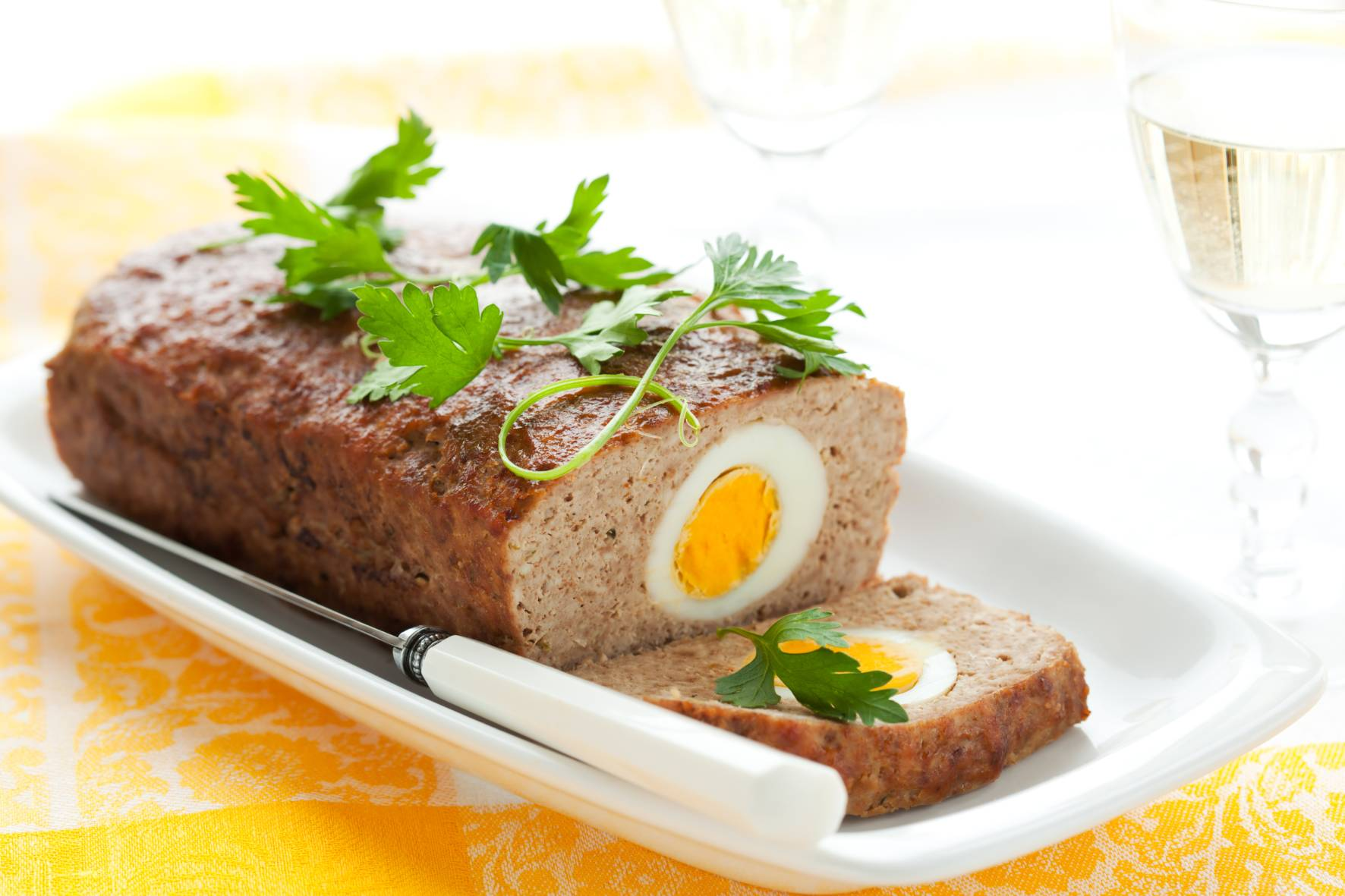 Jak upiec mięso żeby było kruche, soczyste a jego wyśmienity smak będzie rozpieszczać kubki smakowe